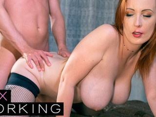 Deviante Redhead MILF escort with big tits and tight ginger pussy starts with oily massage to client