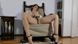 Dirty babe masturbates and squirts in front of her photographer WetKelly