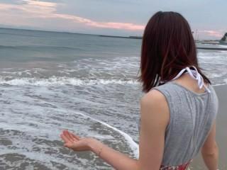 女子大生と水着で海デート♡ビーチでリアル露出ハメ撮り!人が来てパニã