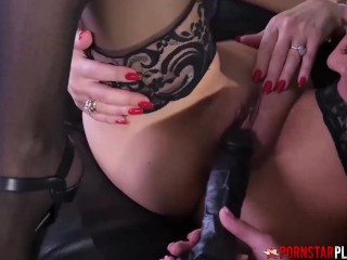 PORNSTARPLATINUM Lesbian Sexy Vanessa Seduces Crystal Rush