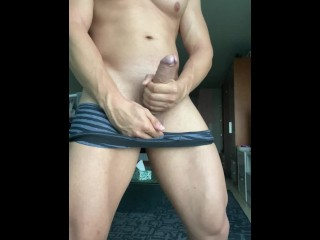 HOT FIT GUY STROKING HUGE COCK AND CUMMING LOUD