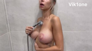 Very passionate shower sex with a hot beauty