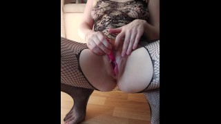 redhair pussy milf cumming with vibratoy, spasming clit