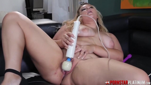 PORNSTARPLATINUM Chubby Amateur Crystal Wolfe Rubs Her Pussy