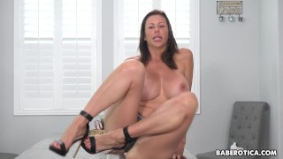 Solo milf, Alexis Fawx is toying her wet pussy, in 4K