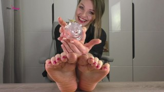 Locked up Small Dick loser for my Feet