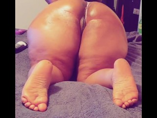 Getting some head while I oil and massage big booty milf