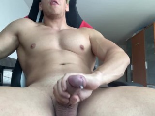 HOT SEXY GUY JERKING OFF HIS HUGE COCK + LOUD ORGASM