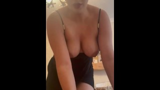 Do you want me to fuck you with my Strapon❓💦 Comment if you want to see more❓❓