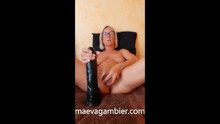 BLONDE MILF COUGAR MASTURBATING WITH A BIG BLACK DILDO IN THE PUSSY