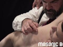 MasonicBoys - Dom daddy bear spanks and milks Austin Young