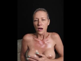 Kiki Deez Moans As You Cum Between My Oiled Tits JOI