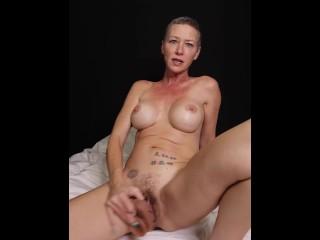 Kiki Deez Dildo Fucking and Fun 6 Real Orgasms